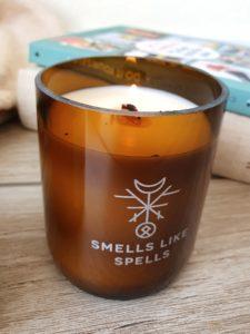 Duftkerze mit Holzdocht