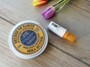 Mit Vitamin C und Shea Butter hole ich die Haut aus dem Winterschlaf.