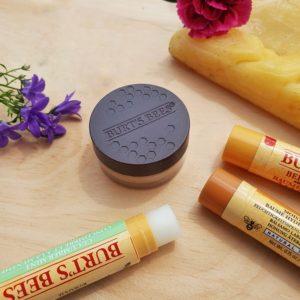 Lippenpflege mit Bienenwachs